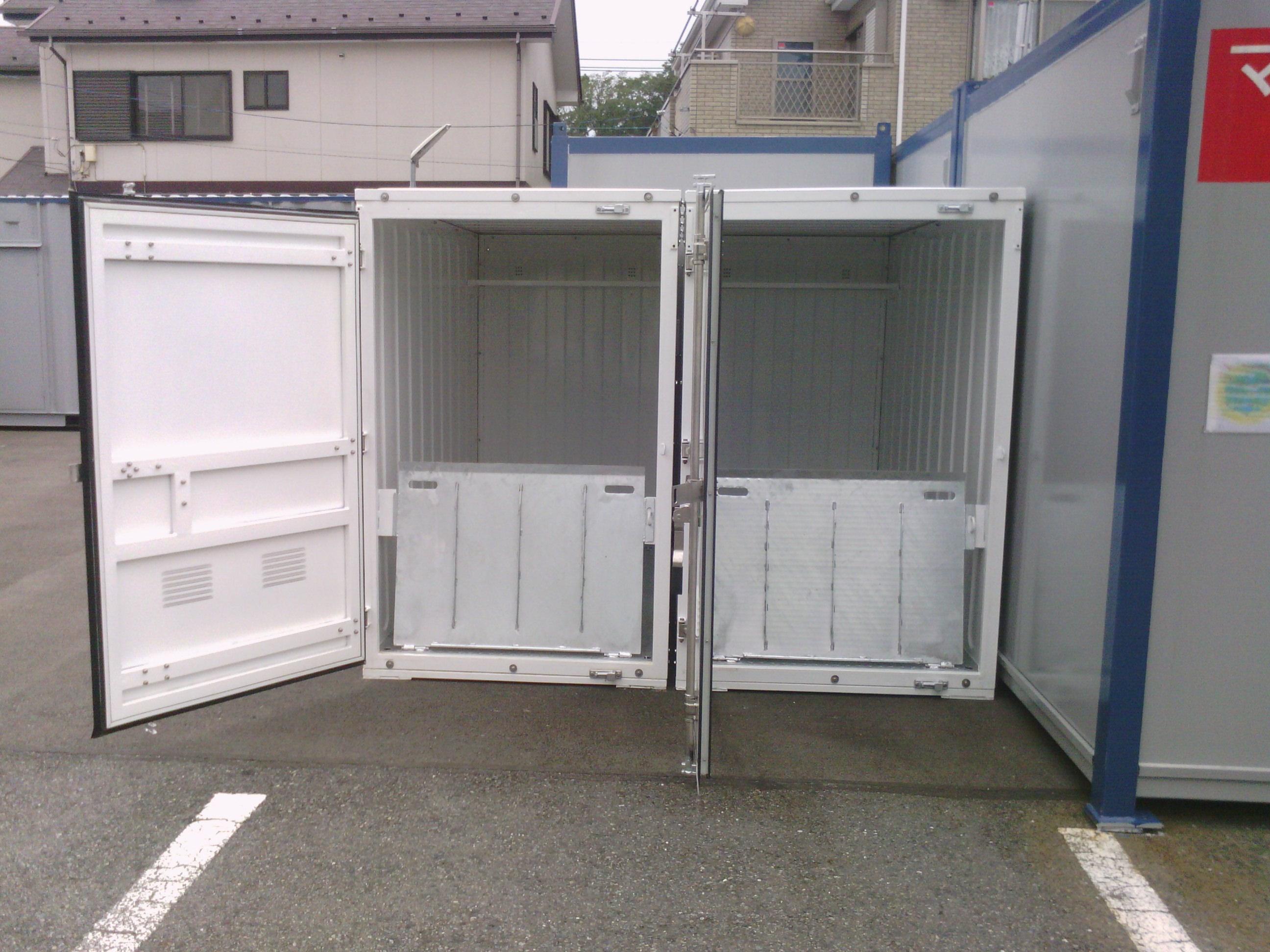 マリンボックス下和田の物件外観