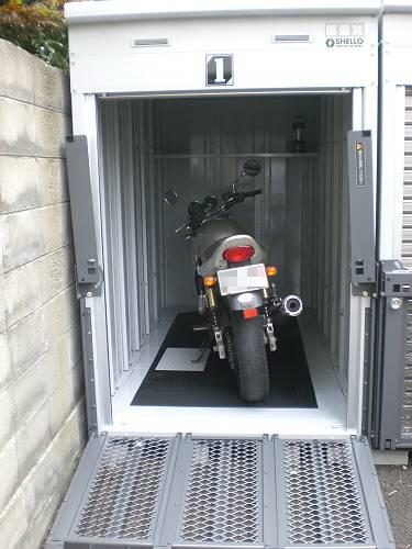 バイクガレージ木町通センターの物件外観