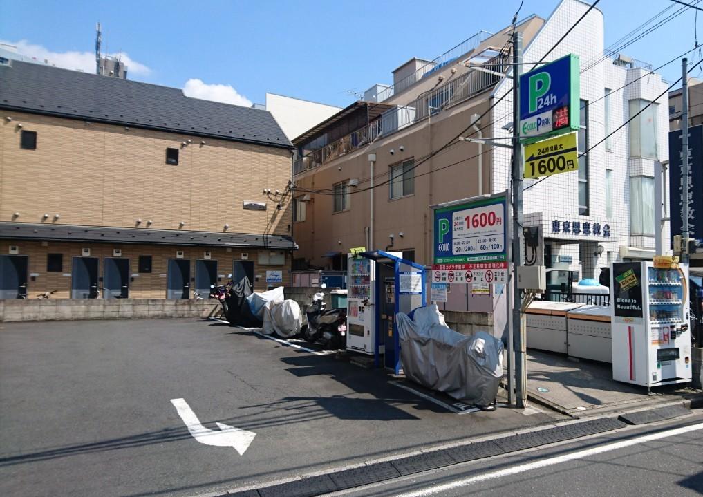 バイクストレージ東新宿外観1