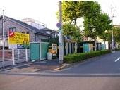 ユアスペース小菅-バイク駐車外観1