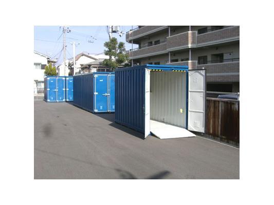 ハローストレージ江坂(バイクBOX)