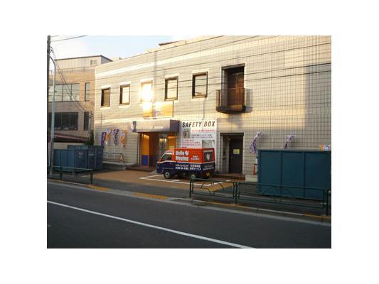 ハローストレージ下井草(バイクBOX)外観1