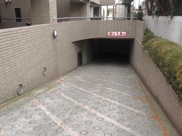 桜川けやき苑大型オートバイ専用地下駐車場の物件外観