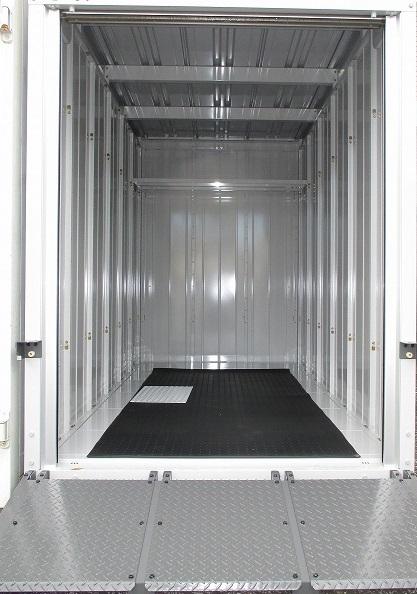 ユアスペース板橋四葉-バイク駐車場の物件外観